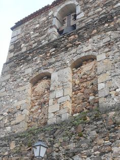 Riofrío de Riaza. Arcos cegados en torre de la Iglesia de San Miguel Arcángel.