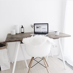 Nice workspace inspiration by @joy_a_holum #ilovemyinterior