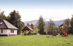 Holiday home Mirsk Kamien Mirsk Holiday home Mirsk Kamien is a holiday home located in Mirsk in the Lower Silesia Region and is 33 km from Karpacz. The unit is 30 km from ?pindler?v Ml?n. Free private parking is available on site.