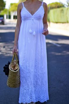 Summer is here 😉 🙂 ; and today I show you a perfect look. Over 50 Womens Fashion, Summer Is Here, Off White, White Dress, Plus Size, Cherry, Wedding, Outfits, Shopping