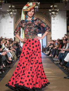 Desfile de Rocío Peralta en We Love Flamenco 2017. Foto: Aníbal González Flamenco Costume, Flamenco Dresses, Unique Fashion, Love Fashion, Spanish Dress, Spanish Fashion, Bohemian Gypsy, Lovely Dresses, Skirt Fashion