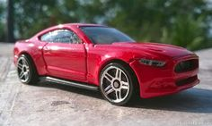 Minicarsbr: Ford Mustang 2015 - Hot Wheels 2014