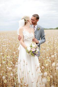 Foto: Dasha Caffrey Was gibt es Romantischeres als sich an einem lauen Sommertag im Freien, inmitten von riesigen Feldern abgeblühter ...