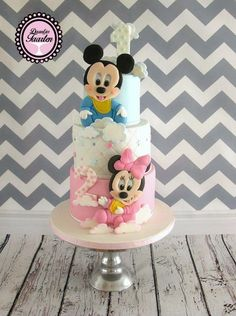 For Max his 1st birthday and for Mila her 2nd birthday i made this sweet baby Mickey and Minnie cake Love to make Mickey and Minnie ❤