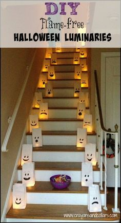 The perfect Halloween docoration! DIY flame free Halloween inside or outside luminaries. Easy craft idea from www.crayonsandcollars.com