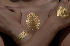 metallic gold tattoos / Skinjeweltattoos.com Jewel Tattoo, Gold Tattoo, Beauty Tips, Beauty Hacks, Paint Designs, Metallic Gold, Temporary Tattoos, Body Painting, Make Up