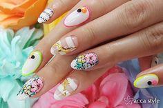 キリン×お花×ロゴ×蛍光カラー☆(高木)の画像   静岡市 ネイルサロン acca style