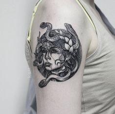 Meduse #tattoo #ink #dotshading #blacktattoo #graphic #medusa #medusatattoo #ksuarrow #rtats #тату #татуировка #nocturnalink #blackworkerssubmission #blxckink #tattrx