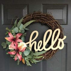 You have to see this #DIY spring wreath idea with lilies #HomeDecorIdeas @istandarddesign