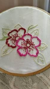 نتيجة بحث الصور عن ‪pinterest bordado livre‬‏ Basic Embroidery Stitches, Hand Work Embroidery, Hand Embroidery Designs, Beaded Embroidery, Cross Stitch Embroidery, Embroidery Patterns, Mexican Embroidery, Sewing Art, Needlework