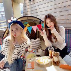 South Korean Girls, Korean Girl Groups, Kpop, Beautiful Soul, Pretty, Furniture, Home Decor, Jaehyun, Goddesses