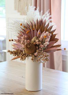 Air Dried Globe Amaranth in Light Pink
