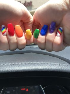 Trendy Acrylic Ombre Rainbow Nails Designs For Summer - Nail Art Connect - Acrylic Nails Natural, Cute Acrylic Nails, Cute Nails, Pretty Nails, My Nails, Wedding Nail Polish, Wedding Nails, Rainbow Nails, Rainbow Colors
