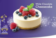 Make this beauty and serve with fresh berries in Summer o Mouth watery white chocolate cheesecake recipe. Make this beauty and serve with fresh berries in Summer or poached fruits in Winter. Chocolate Triffle Recipe, Chocolate Smoothie Recipes, White Chocolate Recipes, Chocolate Cheesecake Recipes, Delicious Chocolate, Lindt Chocolate, Chocolate Shakeology, Chocolate Mouse, Chocolate Drizzle