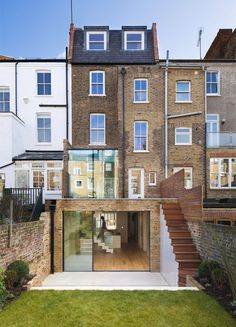 View our gallery of completed and ongoing projects. Find out how De Rosee Sa integrates unique, innovative and personalised designs based on our client's preferences. Give us a call to work with us on your next project. Glass Extension, Roof Extension, London Townhouse, London House, Interior Exterior, Exterior Design, House Extensions, Victorian Homes, Porches
