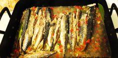 Saramura de macrou proaspat la tava. Saramura de peste. Seafood Dishes, Ratatouille, Cheesesteak, Martha Stewart, Asparagus, Fish, Vegetables, Ethnic Recipes, Dinner