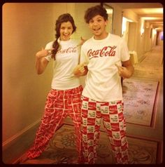 Matching pajamas. This is beyond the cutest thing I've ever seen! I love this picture so much! Louis Tomlinson and Eleanor Calder <3