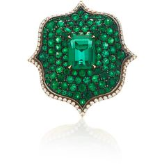 Bayco Emerald & Diamond Ring (1.215.900.740 IDR) ❤ liked on Polyvore featuring jewelry, rings, green, green jewellery, green jewelry, emerald jewellery, green emerald ring and emerald jewelry