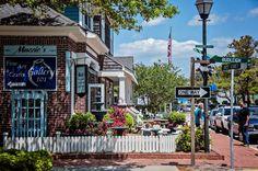 Historic Downtown Manteo on Roanoke Island :: Outer Banks of North Carolina North Carolina Coast, Outer Banks North Carolina, Outer Banks Nc, Outer Banks Vacation, North Carolina Homes, Carolina Beach, Vacation Spots, Carolina Usa, East Coast