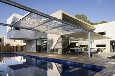 exterior Residence D-and-E-House