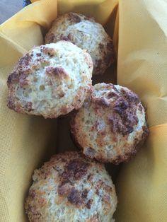 Pear & yoghurt muffins with cinnamon