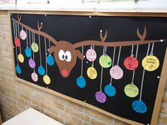 Gemaakt in groep 7/8, heel vrolijk met kerst! Allemaal een kerstwens op een rond… Its Christmas Eve, Christmas Program, Christmas Games, Christmas Activities, Kids Christmas, Holiday Crafts For Kids, Xmas Crafts, Diy For Kids, Diy And Crafts