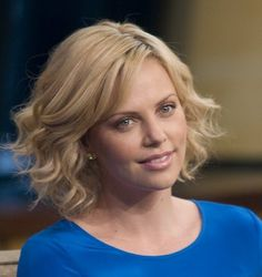 Wavy Bob Hairstyle | Charlize Theron looks awesome and relaxed in her wavy bob hairstyle.