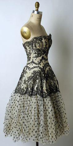 Silk evening dress by Antonio del Castillo (Spanish, 1908-84) for Lanvin-Castillo (French, active 1950-62), 1954-55.  The Metropolitan Museum of Art