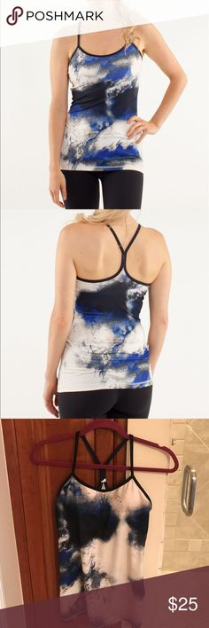 Lululemon Y Tank Lululemon Tank in gently used excellent condition. Removable pads. Cool pattern great with black leggings. Nonsmoking **** lululemon athletica Tops Tank Tops