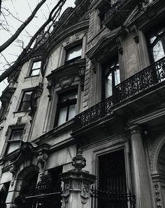Architecture, dark