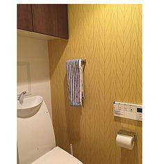 女性で、3LDKの、Bathroom/トイレ/ナチュラル/アクセントクロス/北欧/壁紙/北欧インテリア/サンゲツについてのインテリア実例。 「トイレ...」 (2018-01-29 00:13:08に共有されました)
