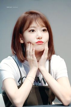 (Credits to the real owner/s) Yuri, Korean Girl, Asian Girl, Sakura Miyawaki, Japanese Girl Group, Kim Min, Kpop Girls, Girl Crushes, Asian Beauty
