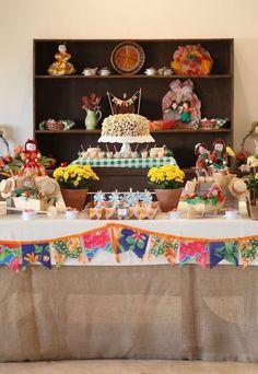 Decoração de Festa Junina – 50 Ideias Incríveis Para se Inspirar | Revista Artesanato Farm Party, Halloween Diy, Birthday Parties, Cake, Crafts, Peppa, Babys, Daddy, Facebook
