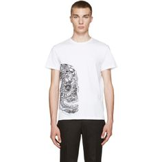 Alexander McQueen White Butterfly Skull T-Shirt (980 BRL) ❤ liked on Polyvore featuring men's fashion, men's clothing, men's shirts, men's t-shirts, mens short sleeve t shirts, mens graphic t shirts, mens skull shirts, mens white crew neck t shirts and mens skull t shirts