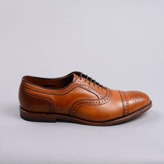 Allen Edmonds Strand Cap-Toe Oxfords (Walnut Calf)