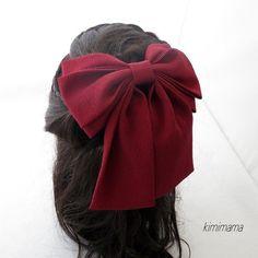 髪飾り  縮緬<ソフトWリボン>はいからさん(エンジ)袴・着物・成人式・卒業式・七五三の画像4枚目 Ribbon Jewelry, Ribbon Hair Bows, Diy Hair Bows, Diy Bow, Diy Ribbon, Bow Hair Clips, Kawaii Accessories, Diy Hair Accessories, Classy And Fab