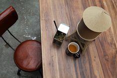 Poursuivant la construction de son univers, UTTERNORTH lance une gamme originale de thés bio, parfumés et évocateurs du parcours d'Alexxander Utternorth.  www.alexxander-tea.com #the #tea #bio #organic #utternorth #alexxandertea #vintageindustriel