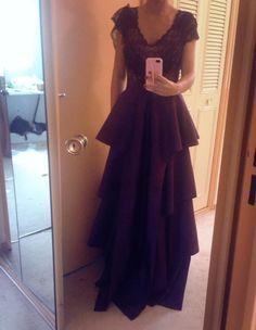 Cenușăreasa Cenușăreasa este dovada ca o pereche de pantofi si...o rochie minunata din tafta iti pot schimba viata in ceva minunat! Aproape gata aceasta rochie ...