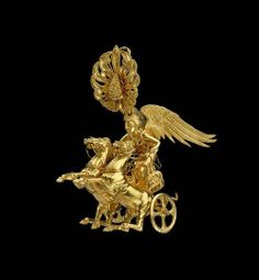 Golden earring with Nike riding a chariot The goddess of victory is riding a two-horse chariot. 5cm high (1 15/16 inch). Greek Classical Period, 350 – 325 BCE. Source: Museum of Fine Arts, Boston