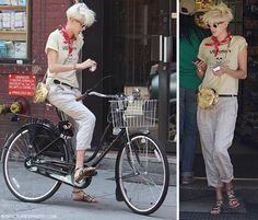 Agyness Deyn and the dutch bike. Is this an Electra? Hipster Grunge, Grunge Goth, Street Style Vintage, Dutch Bike, Agyness Deyn, Cycle Chic, Bicycle Girl, Bike Style, Over The Top