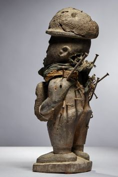 Lot n°114  Kongo Nkisi Figure Belgium, Garden Sculpture, Auction, Statue, Congo, Outdoor Decor, Collection, Art, Art Background