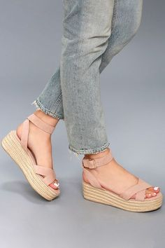 No look would be complete without the Chinese Laundry Zala Dark Nude Suede Espadrille Flatform Sandals! Nike Vans, Wedge Sandals, Wedge Shoes, Strappy Shoes, Flatform Sandals Outfit, Heeled Espadrilles, Shoes Heels Wedges, Women's Shoes, Cute Wedges