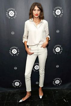 Alexa Chung with a wavy bob, red lipstick, white button down shirt, skinny jeans & two-tone flats #style #fashion #hair #beauty #celebrity #agjeans #tabithasimmons