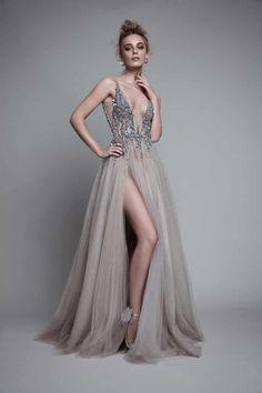 90 imágenes de vestidos de noche: tendencias que te harán brillar - bodas.com.mx Evening Dresses For Weddings, Prom Dresses, Formal Dresses, Wedding Dresses, Dress Prom, Party Dress, Tulle Dress, Dress Long, Gown Dress