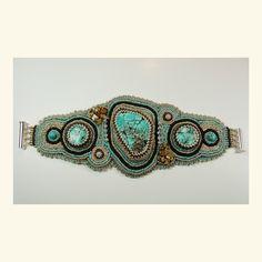 Einzigartiges Armband mit howlith und glasperlen.