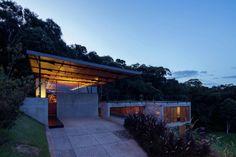 archatlas:      House in Santo Antônio do PinhalH+F...
