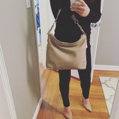 Beige Kate Spade Bag Perfect neutral color that will go with just about everything. Great condition, no marks. kate spade Bags Hobos