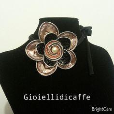 Collarino con fiore Rosabaiya #gioiellidicaffe #gioielli #capsule #nespresso…