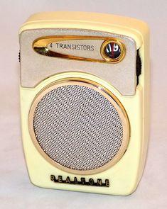 Realtone transistor radio