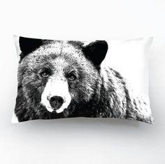 SALE 20  Wildlife Bear Design Black&White por GargaProject en Etsy